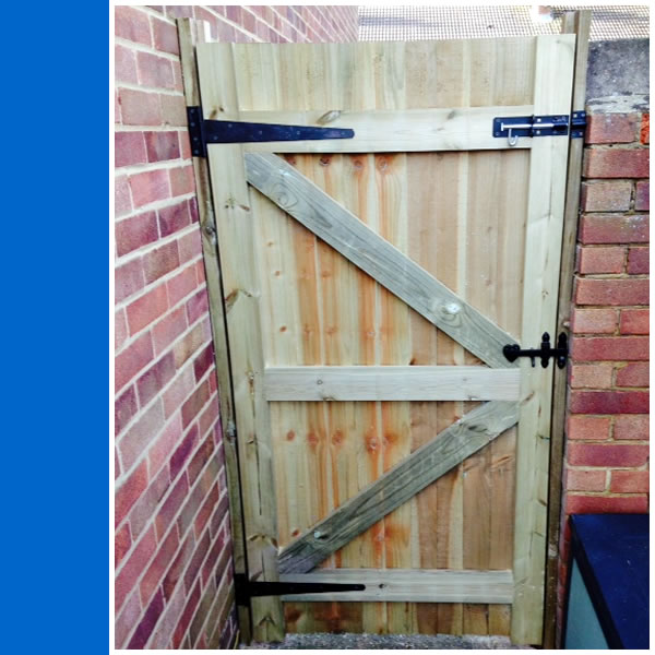 Photo of rear of Closeboard Gate in Horsham.